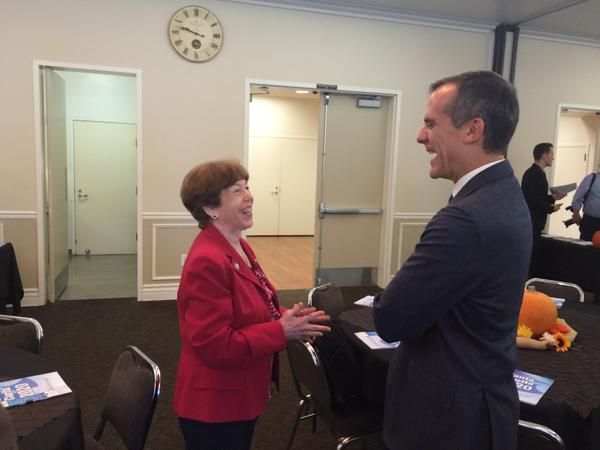 City of Santa Clarita Mayor Marsha McLean talks with Los Angeles Mayor Eric Garcetti during a meeting for Los Angeles County Mayors. Santa Clarita serves as the host city for the meeting for the first time.  (Photo, The City of Santa Clarita)